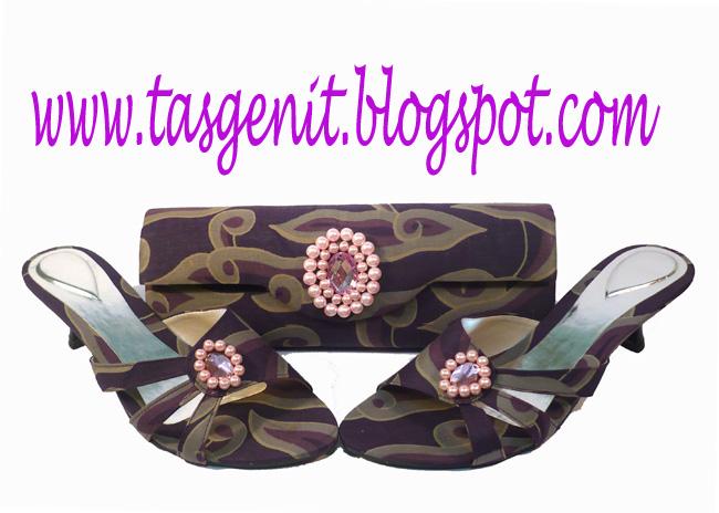 Set Matching   Tas Pesta Batik Mega Mendung dan Sandal Pesta Mega Mendung(KODE  281) 7a0fed4c7a
