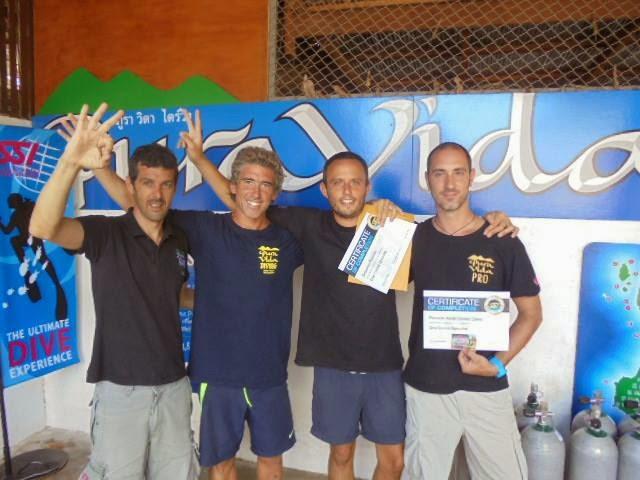 nuevos profesionales de buceo SSI