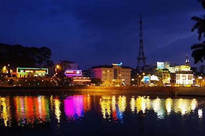 Xuan Huong See bei Nacht