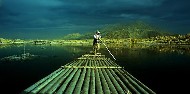 Gambar Rakit Bambu