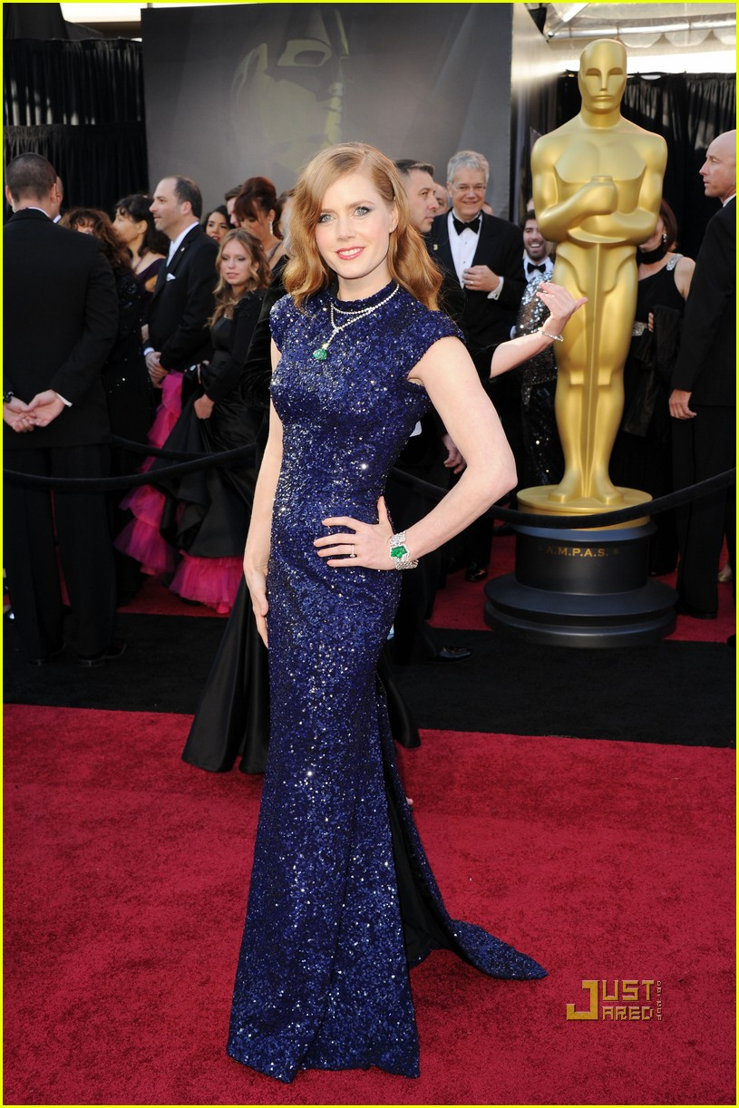 OSCAR RED CARPET: AMY ADAMS
