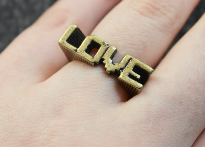 Digital Love Gold Ring Pixel Art 8-bit