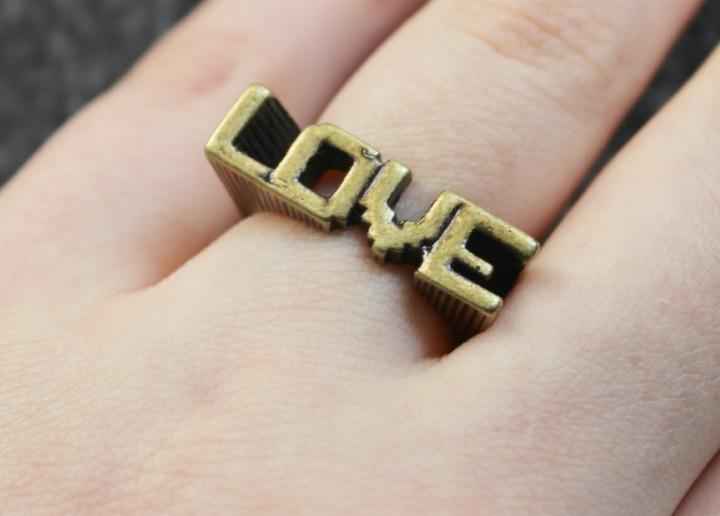 Digital Love Gold Ring Pixel Art 8-bit