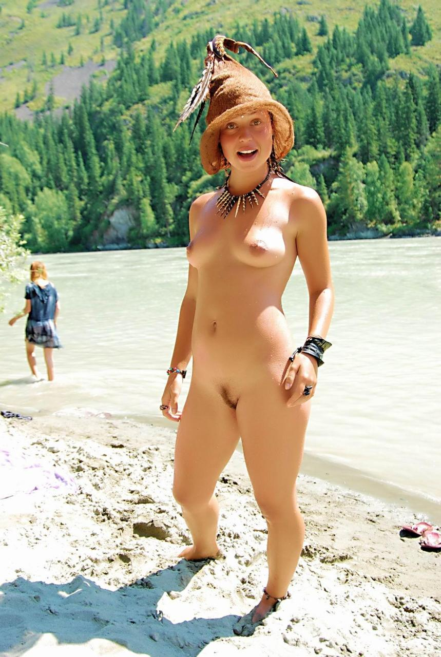 nude hippy women