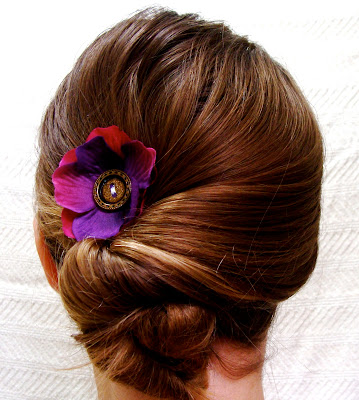 anemone fascinator with vintage button center