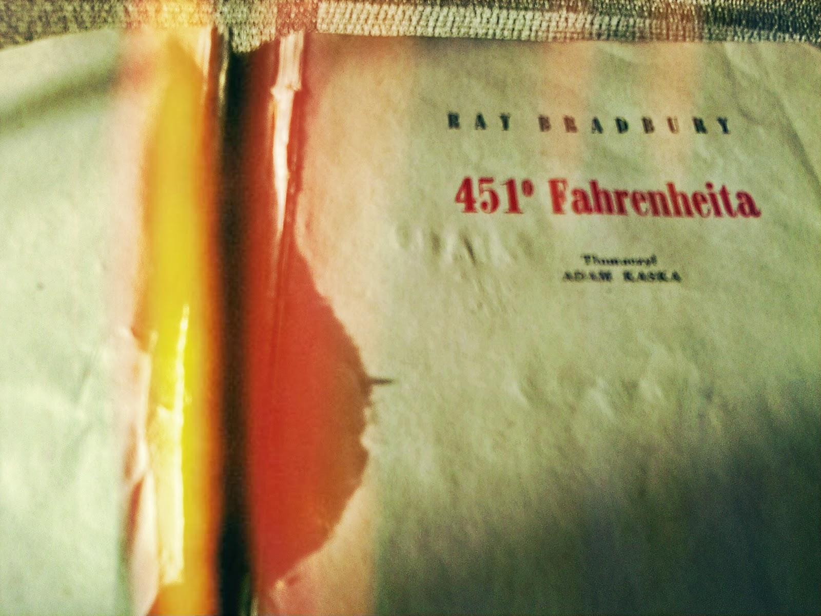 "Ray Bradbury ""451 stopni Fahrenheita"""