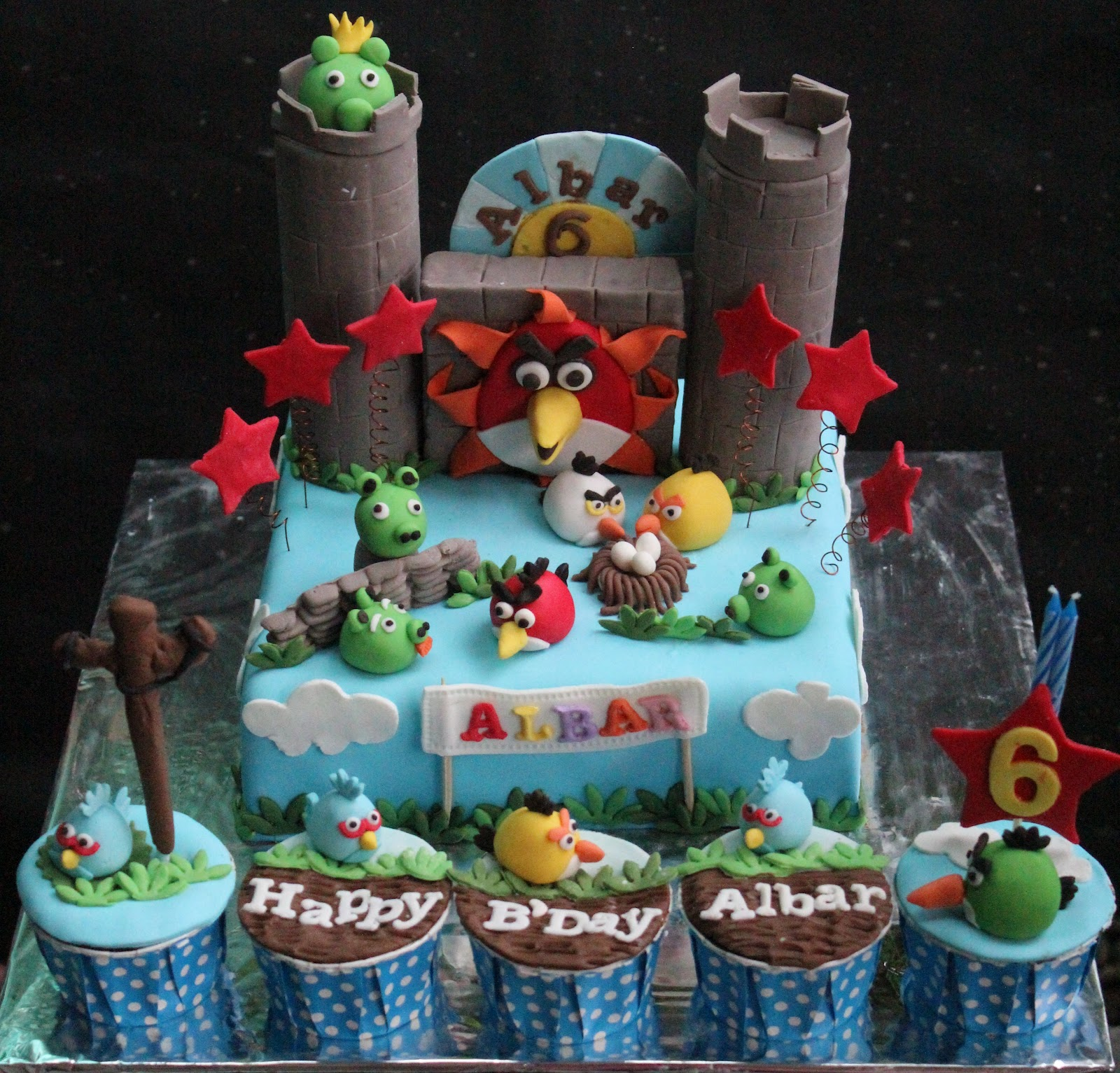 Angry Bird Cake and cupcakes for Albar