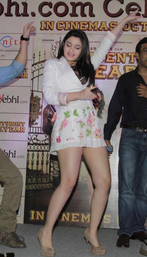 Alia Bhatt Hot Leg   Alia Bhatt
