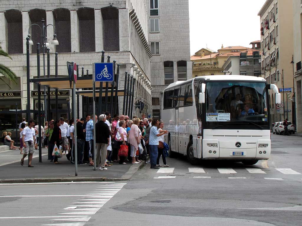 Bus stop for cruise ships passengers, Livorno