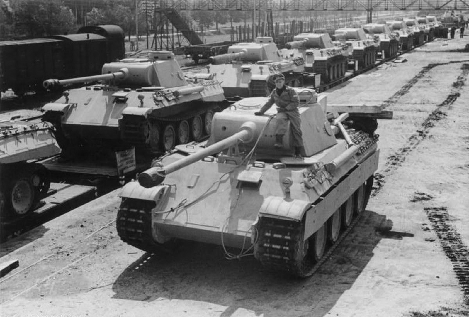 World War Ii Pictures In Details Panther Ausf D Medium