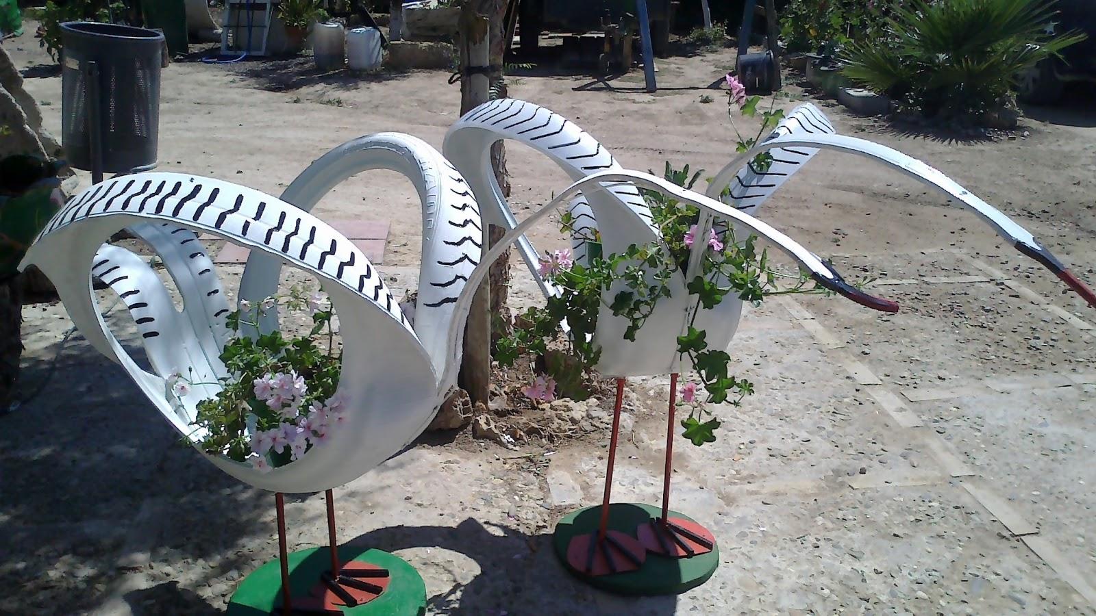 Maceteros y decoraci n de jardines con neum ticos se - Decoracion con neumaticos ...