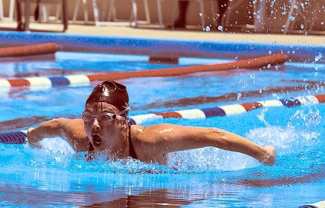 10 Manfaat Penting Berenang Bagi Kesehatan