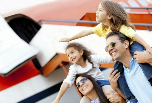 viajar-avion-familia
