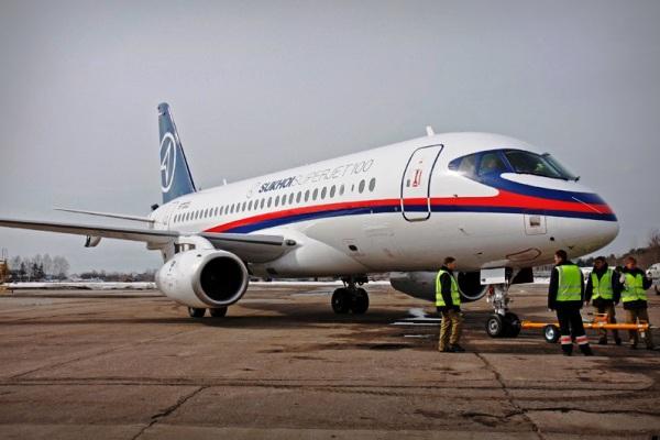 Sukhoi Superjet 100. ZonaAero