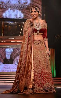 Pareinneti Chopra on Ramp Yash Raj Birthday Anniversary Celetion 2013