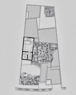 Plano tercer piso de casa con terreno irregular pequeño
