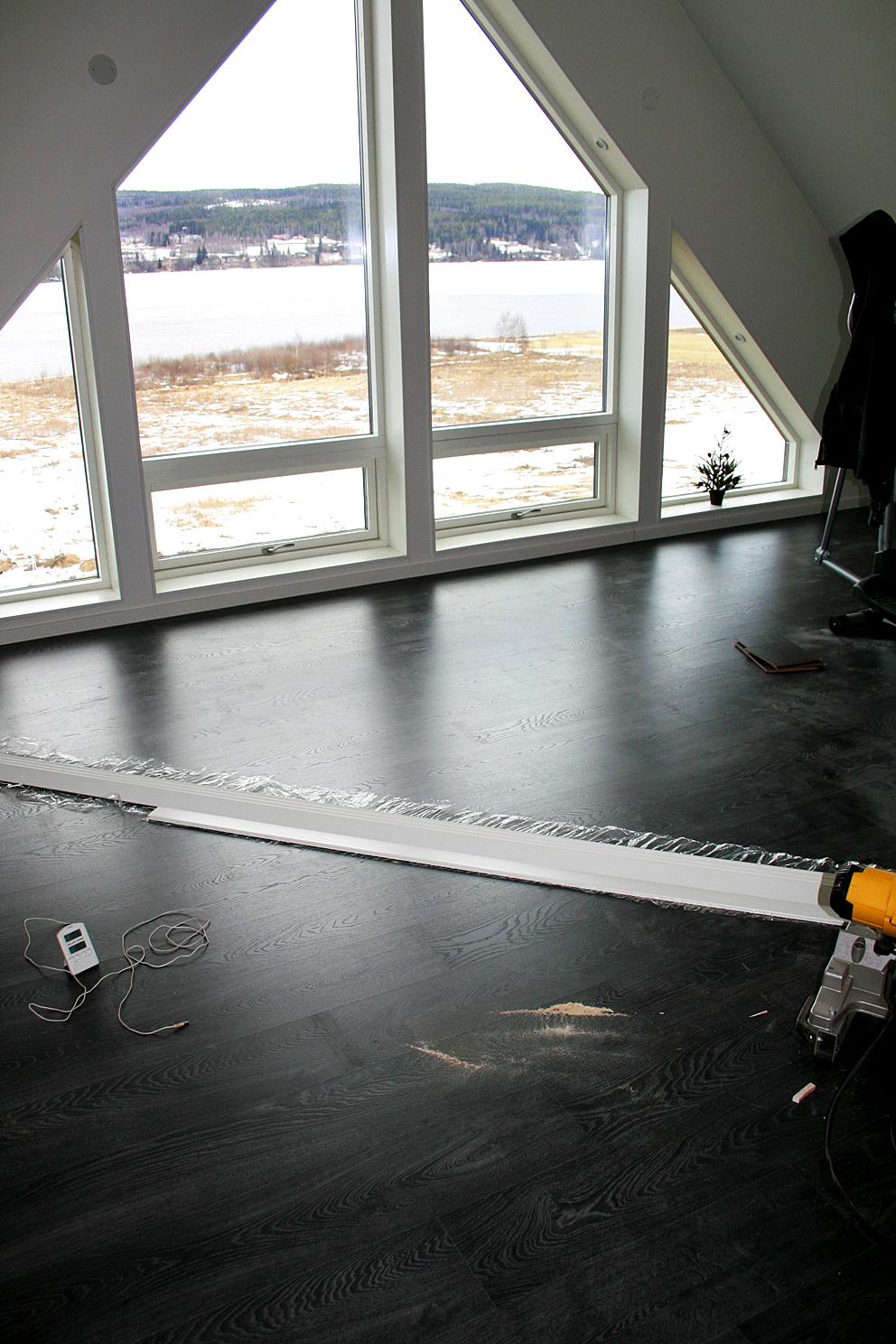 Speckstahuset: golv på övervåningen!