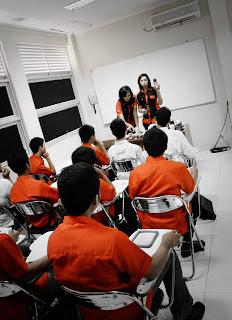 Ruang Kelas Sekolah Manajemen Perhotelan IHS