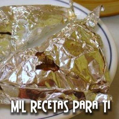 Pollo y piña envuelto en papel de aluminio (+ de 6 meses )