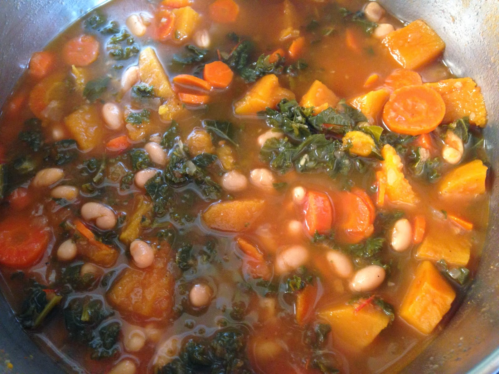 Cook! Create! Consume!: Kale and Roasted Vegetable Soup