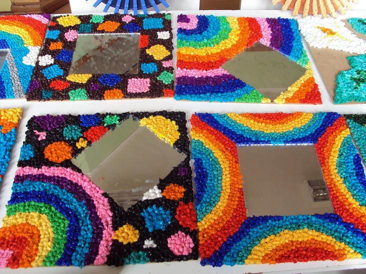 Laborales arcoiris espejos decorados con papel volantin for Imagenes de espejos decorados
