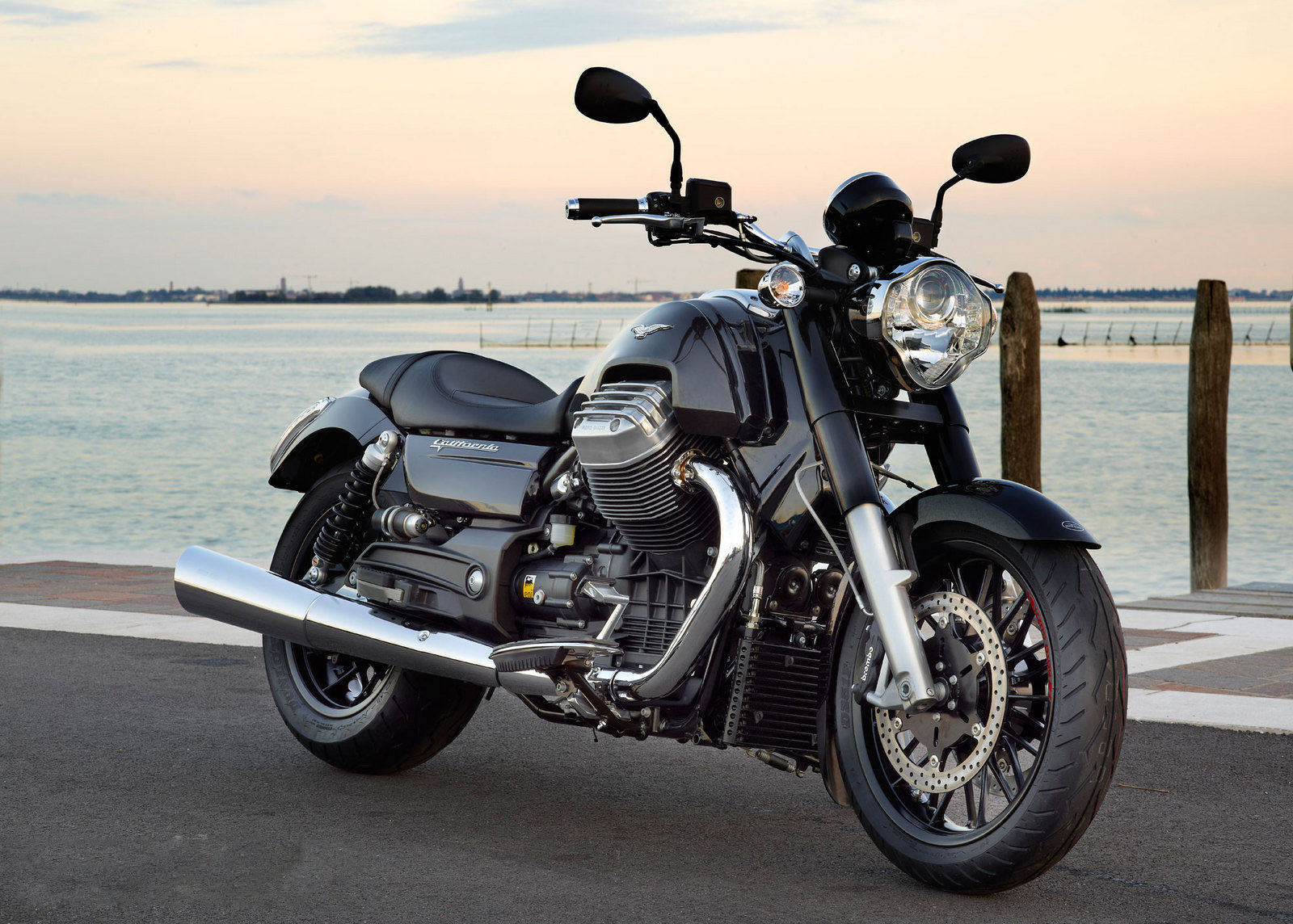 moto i 2013 Moto Guzzi Califórnia 1400 personalizado