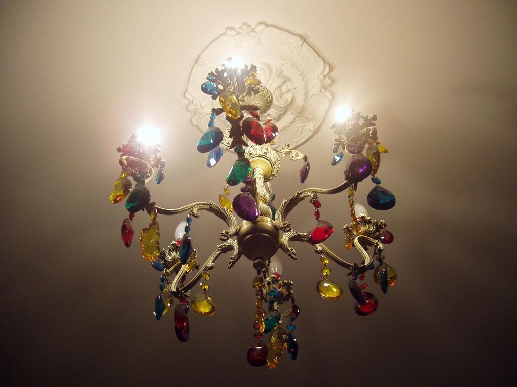 Lampadario Rosa Cristallo : Non solo shabby cristallo sì ma colorato