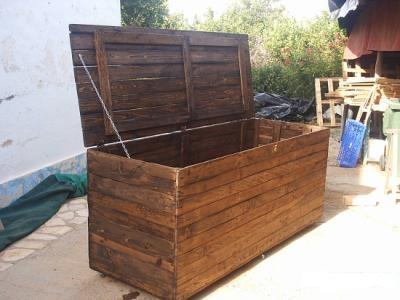 Crea y decora en madera ba les de madera for Baules para jardin