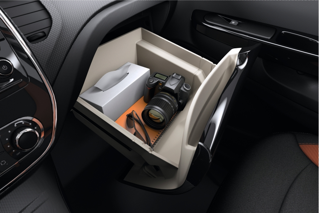 Cockpit autom vel conte dos auto apresenta o renault for Interieur renault captur
