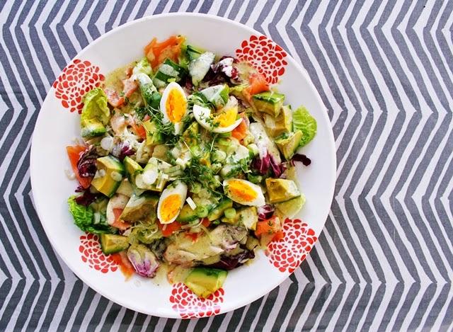 die kunst den alltag zu feiern salat mit r ucherlachs und fenchel. Black Bedroom Furniture Sets. Home Design Ideas
