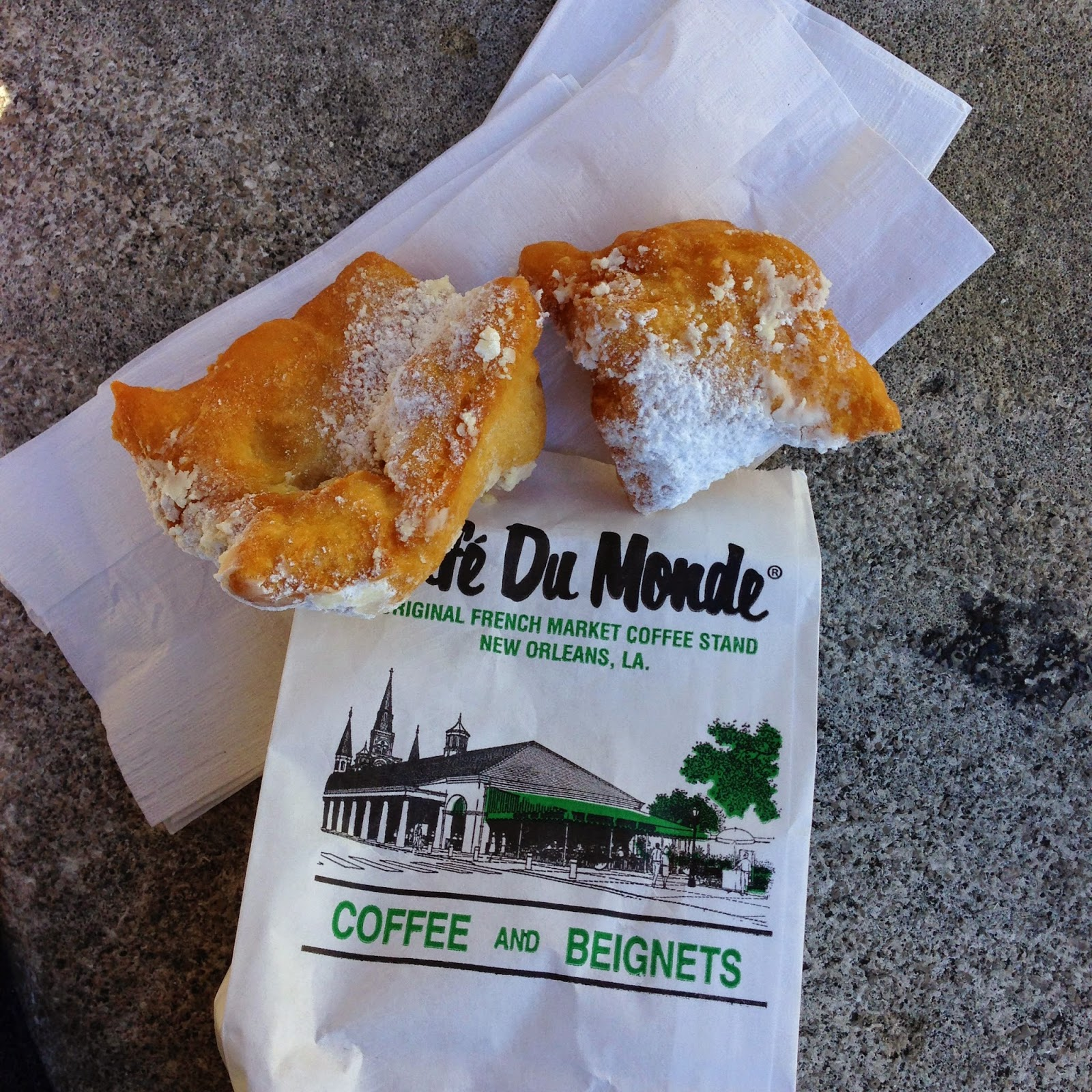 where to go in New Orleans, New Orleans Travel, French Quarter, Cafe Du Monde