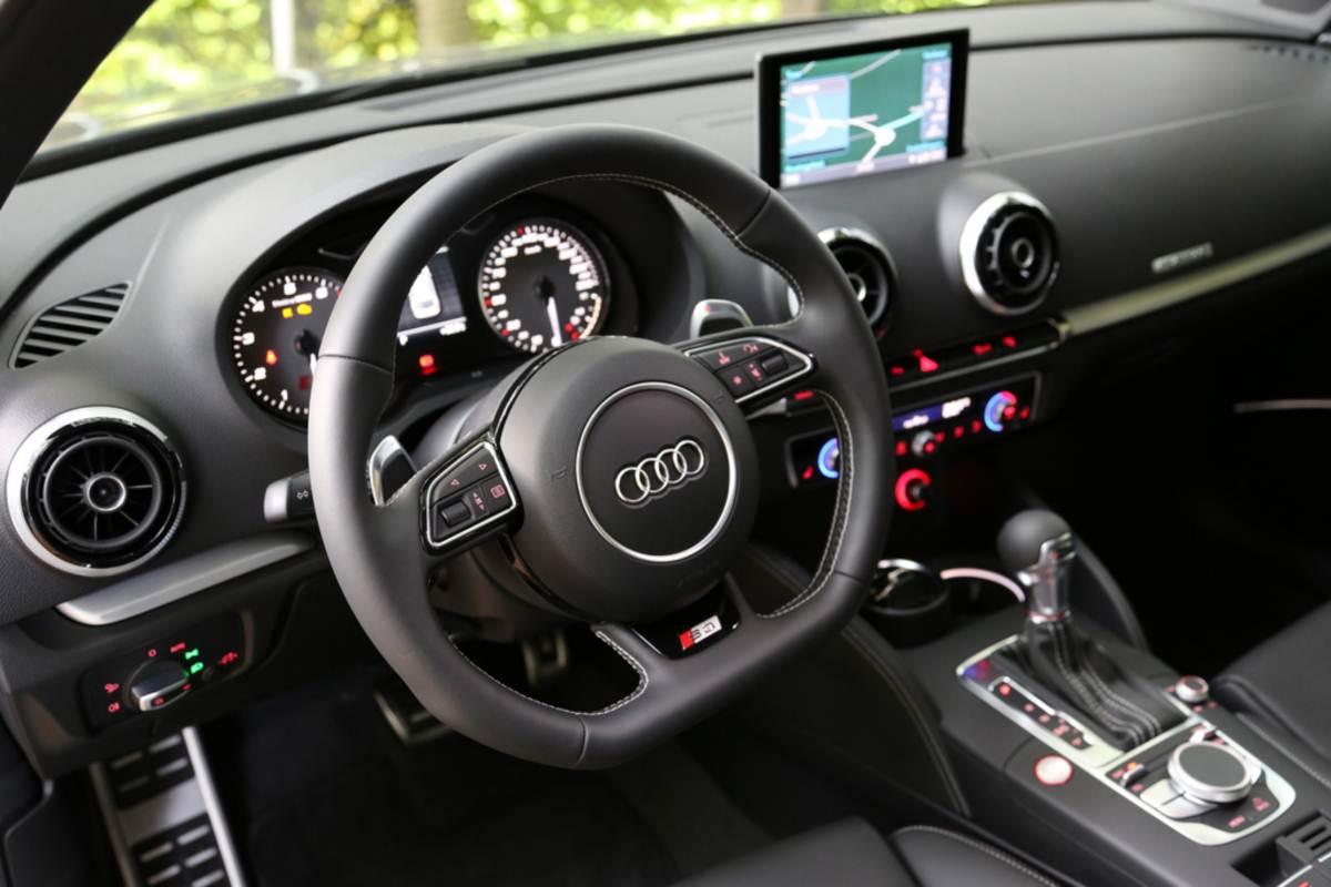 2014 maio autos motores for Audi s3 interior