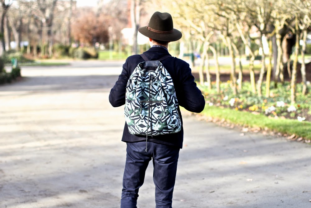 BLOG-MODE-HOMME_UNIQLO-Blazer-APC-Sweater-MAISON-FABRE-Gloves_CHURCHS-Shoes_FEDORA-Hat_EIKYU-Socks_AMERICAN-VINTAGE-Backpack_ASOS-Chino_DRIES-VAN-NOTEN-SHirt_PARIS-MENSFASHION Toulouse Jardin des plantes