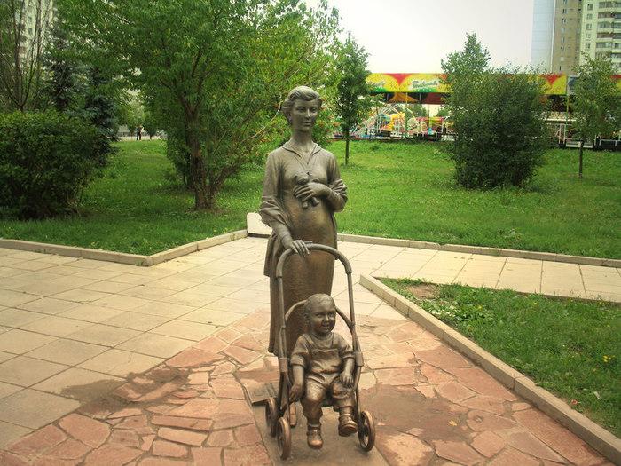 Памятник в ростове на дону дающая жизнь камень надгробный памятник форме книги