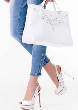 Stradivarius zapatos plataforma con tacón y bolso blancos