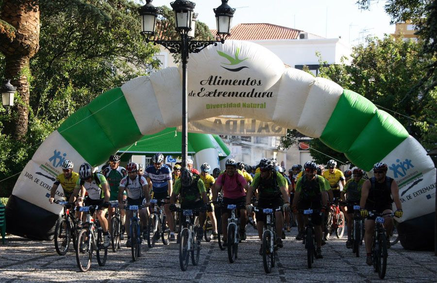 Actividades, marcha cicloturista BTT en Valencia de Alcántara