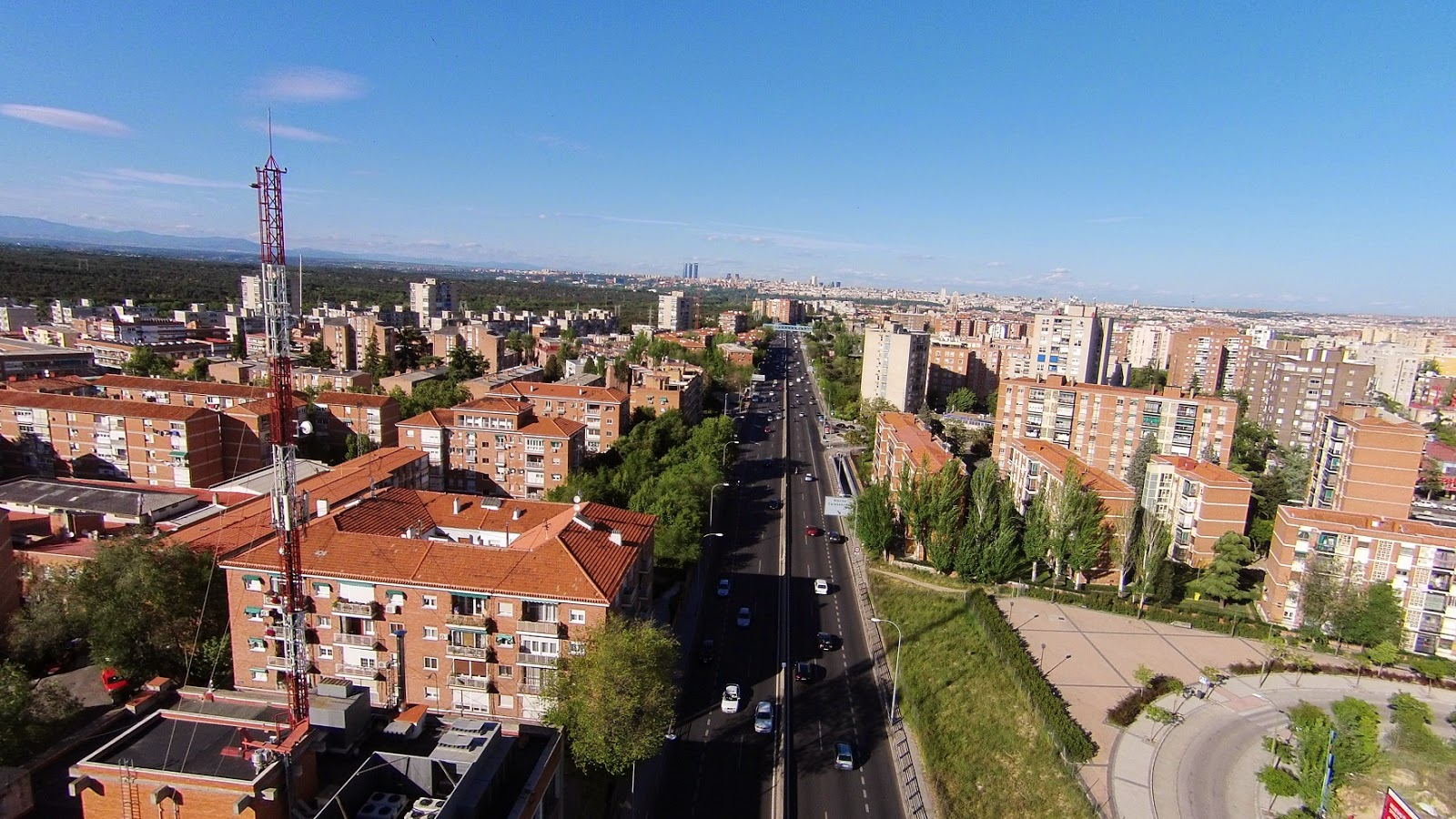 Aluche a vista de drone gu a de aluche for Oficina de extranjeria avenida de los poblados