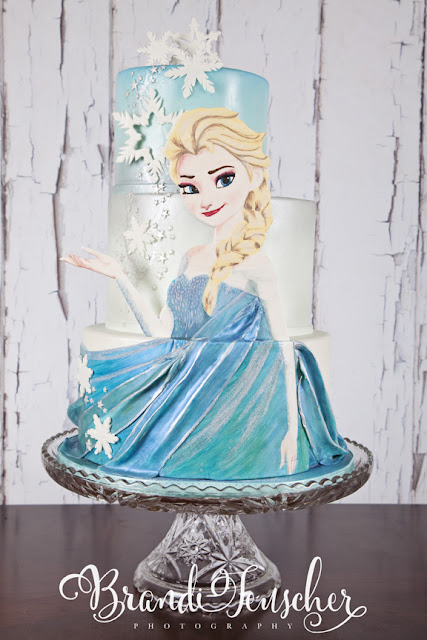 Delectable Cakes: Hand Painted Elsa