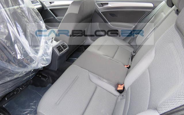Novo VW Golf Flex 2016 - espaço traseiro