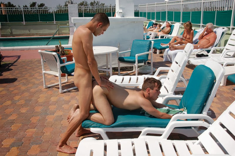 gay mans pleasure sex in public places