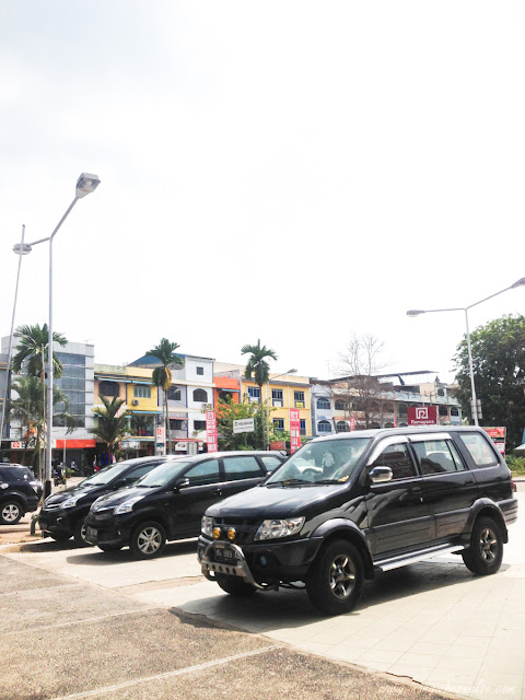 Ramayana Parking Lot in Tanjung Pinang