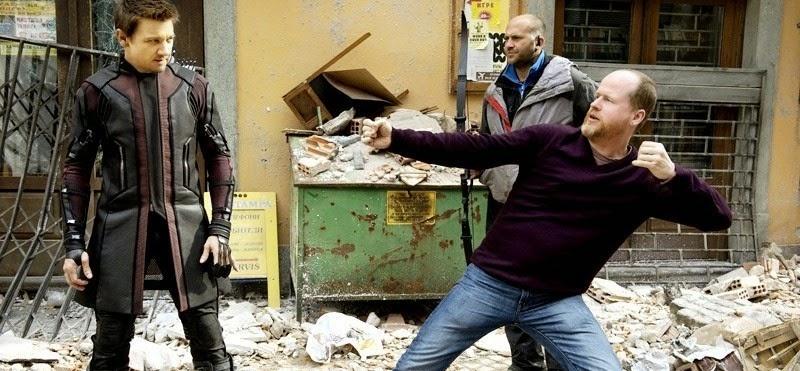 Jeremy Renner e Joss Whedon em imagem inédita de Os Vingadores 2: A Era de Ultron