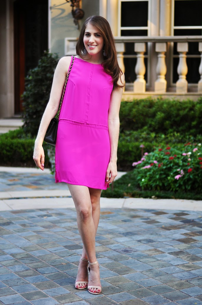 Olivaceous pink dress