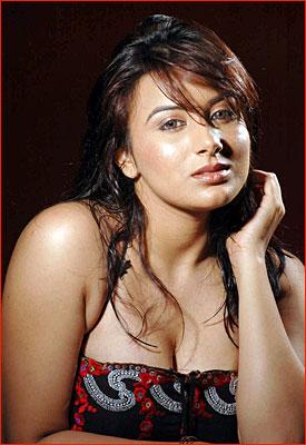 Kannada Actress Pooja Gandhi Dandupalya