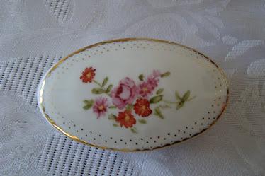 Joyero de porcelana pintado a mano