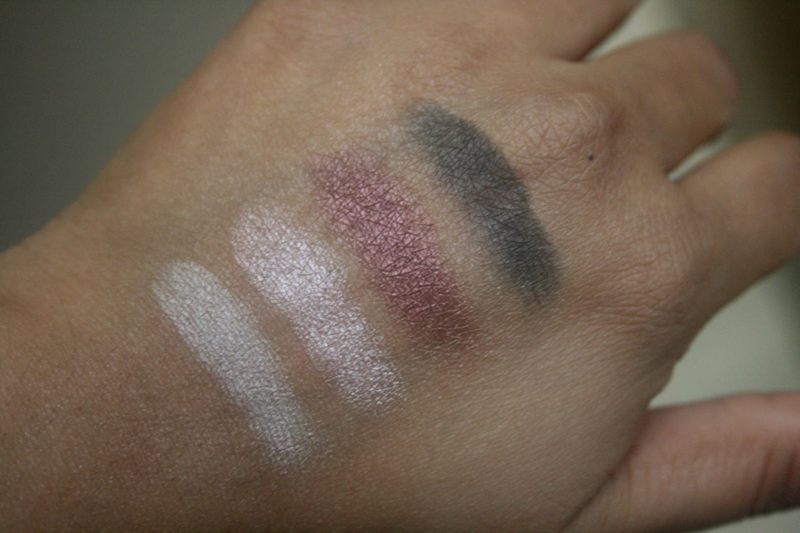 LORAC The Royal Eyeshadow Collection Holiday 2014 Queen Palette Swatch