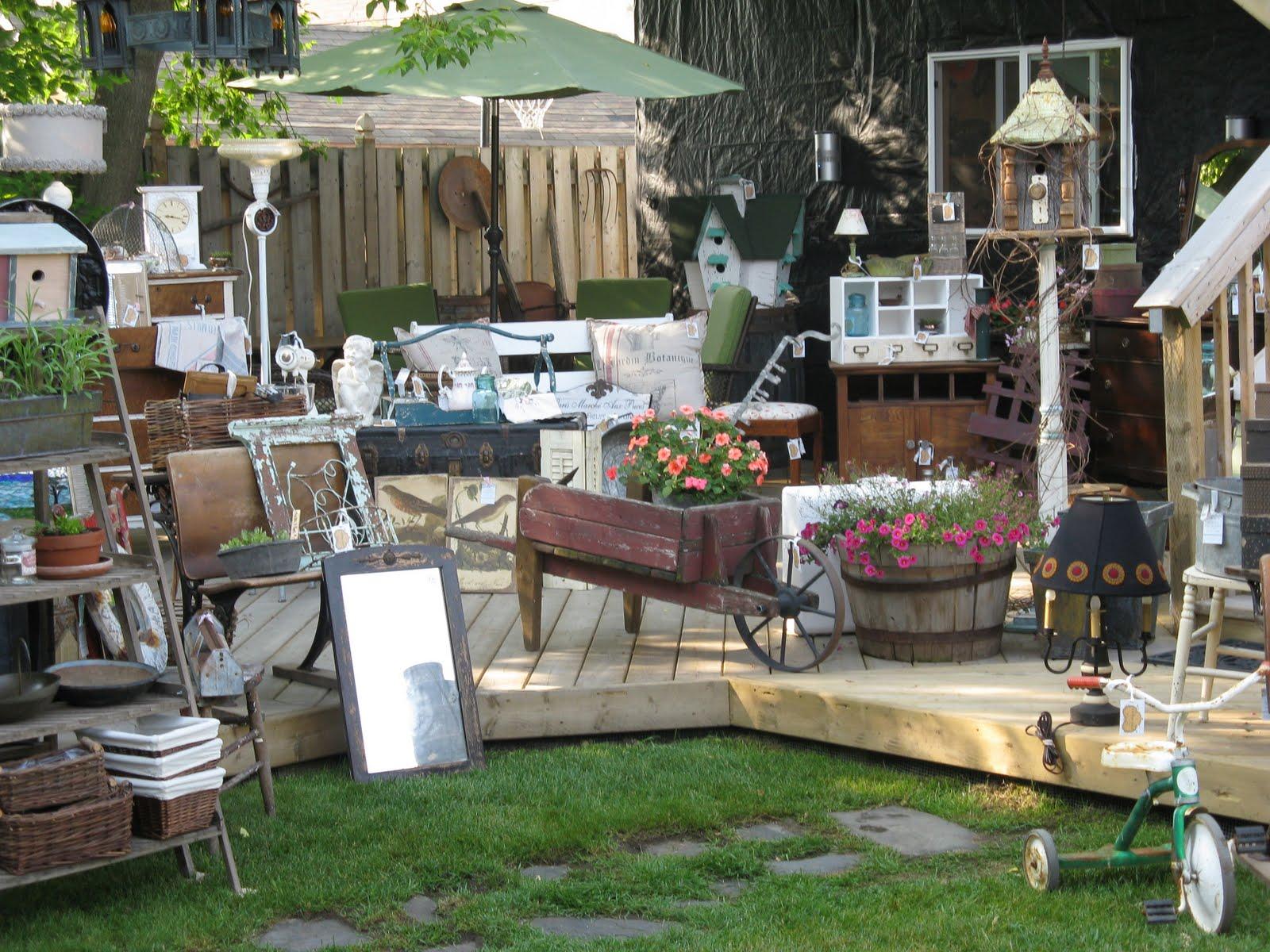 Vintage pixie funky junk and treasures sale for Arredamento giardino usato