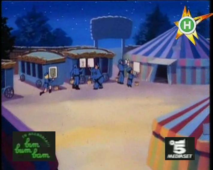 Scuola di polizia episodio il circo hooks