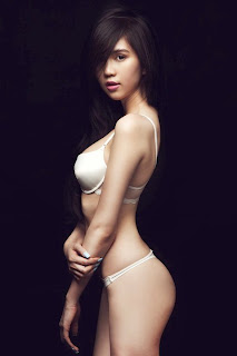 Ngoc Trinh Vietnam model hot photo gallery 6