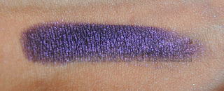 Sombra MUA shade número 13 pearl swatch